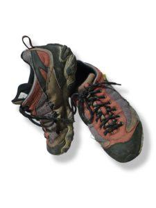 Wysłużone buty po 14 dniach chodzenia w górach.