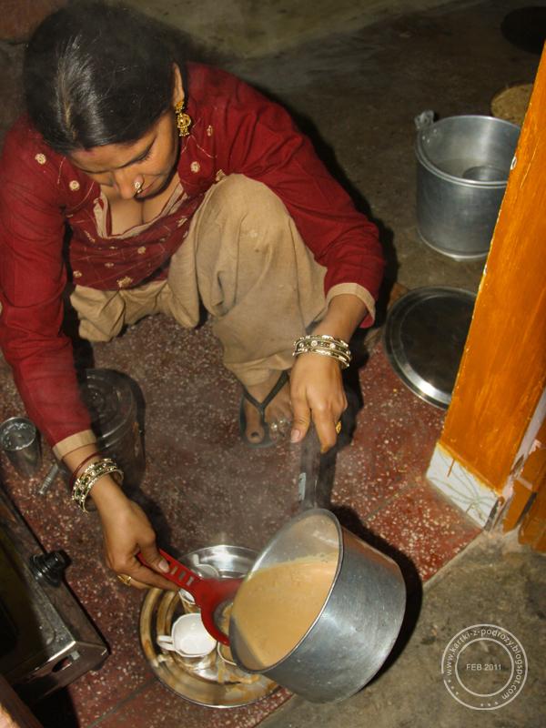 Na koniec trzeba tylko odcedzić przyprawy i fusy / Then you have to drain leaves and spices