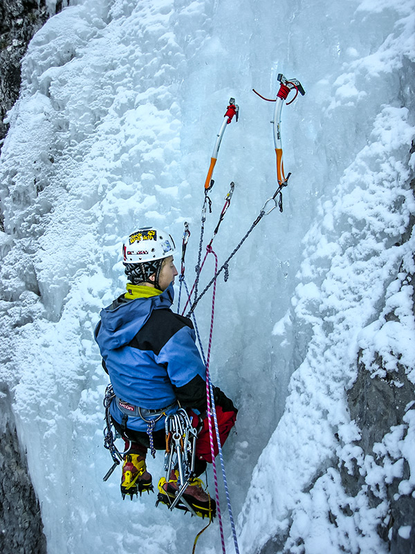 Pozowanie do zdjęcia na Lodospadzie Mrozkowa (Mrozekov ľad).
