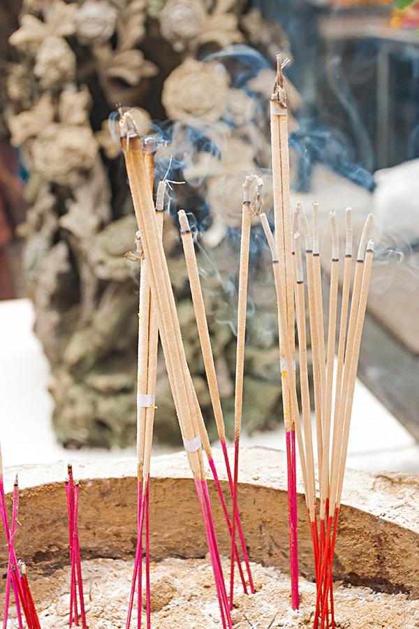 Palenie kadzideł to kolejny rytuał występujący w buddyzmie.