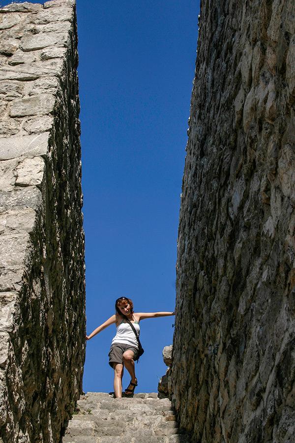 Tymi schodami dawniej przechadzały się kobiety okryte pelisson.