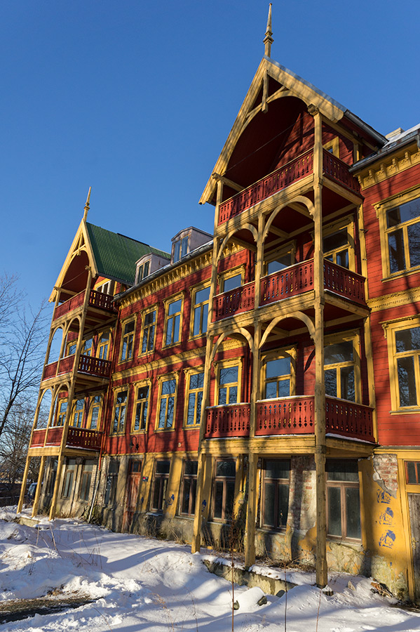 I jeszcze więcej drewnianych domów...