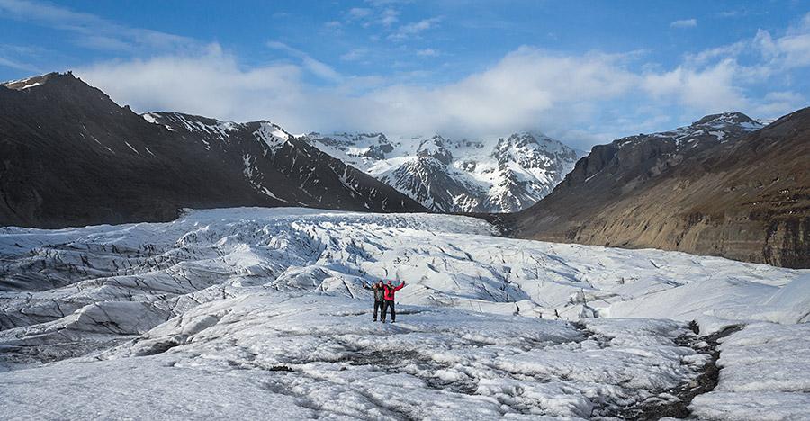 Bieg po nierównej nawierzchni lodowca od aparatu musiał trwać krócej niż 10 sekund ustawione na samowyzwalaczu.