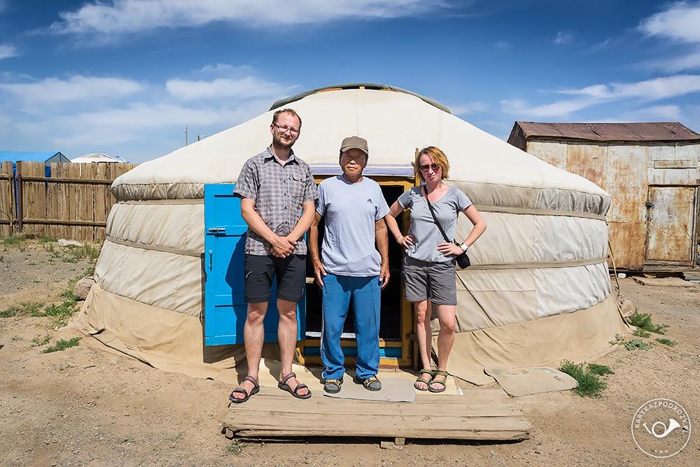 Korzystamy z gościnności naszego przewodnika po pustyni.