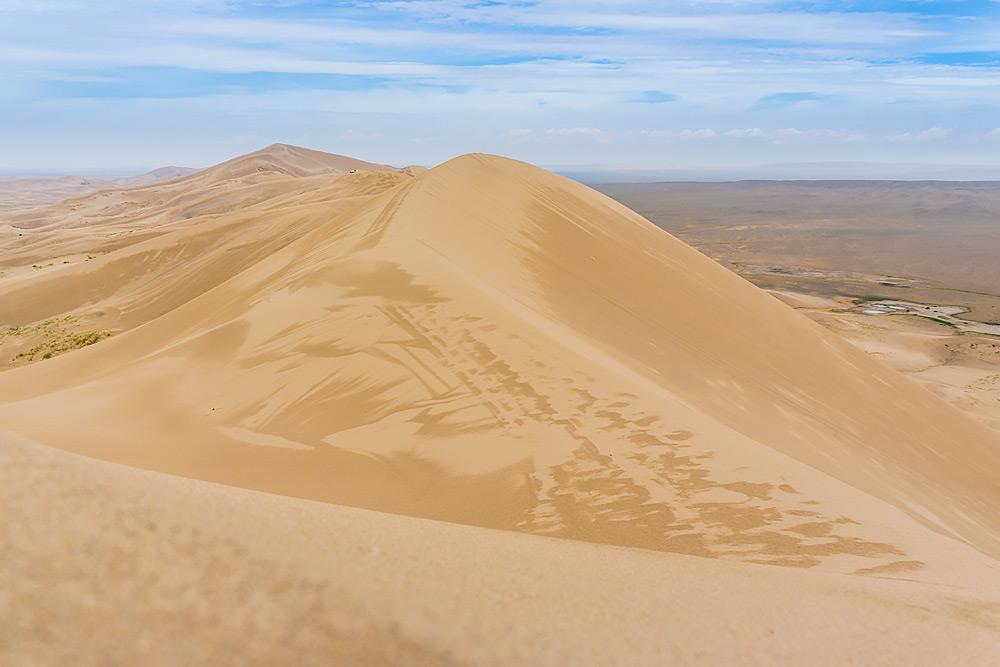 Śpiewające Wydmy na pustyni Gobi (mong. Khongoryn Els, ang. Singing Sand).