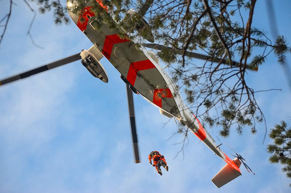 Nie we wszystkich miejscach na ziemi można liczyć na błyskawiczny ratunek helikopterem (fot. Mohsen Anvaari).