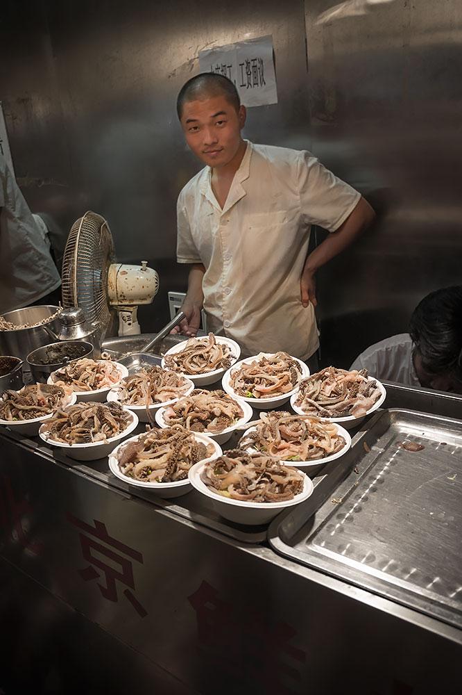 Nocny-Market-Donghuamen_002