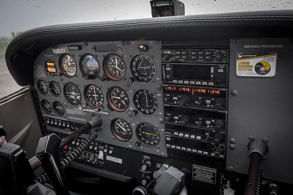 Z-zazdrosci-ptakom-jest-samolot-10