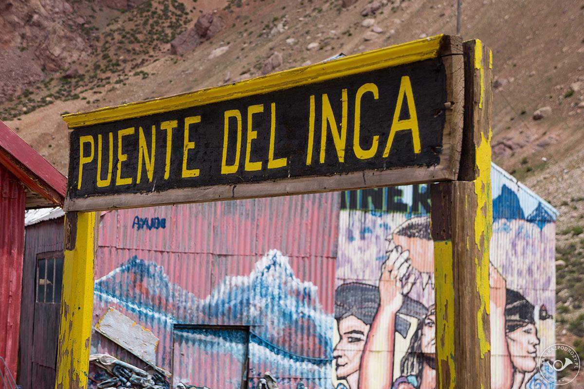 Trekking zaczyna się w Puente dle Inca.