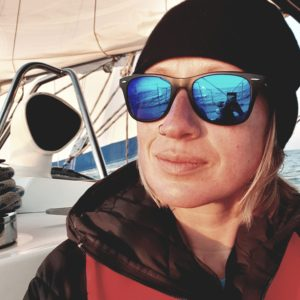 Portret kobiety w okularach przeciwsłonecznych - Patrycja Skłodowska