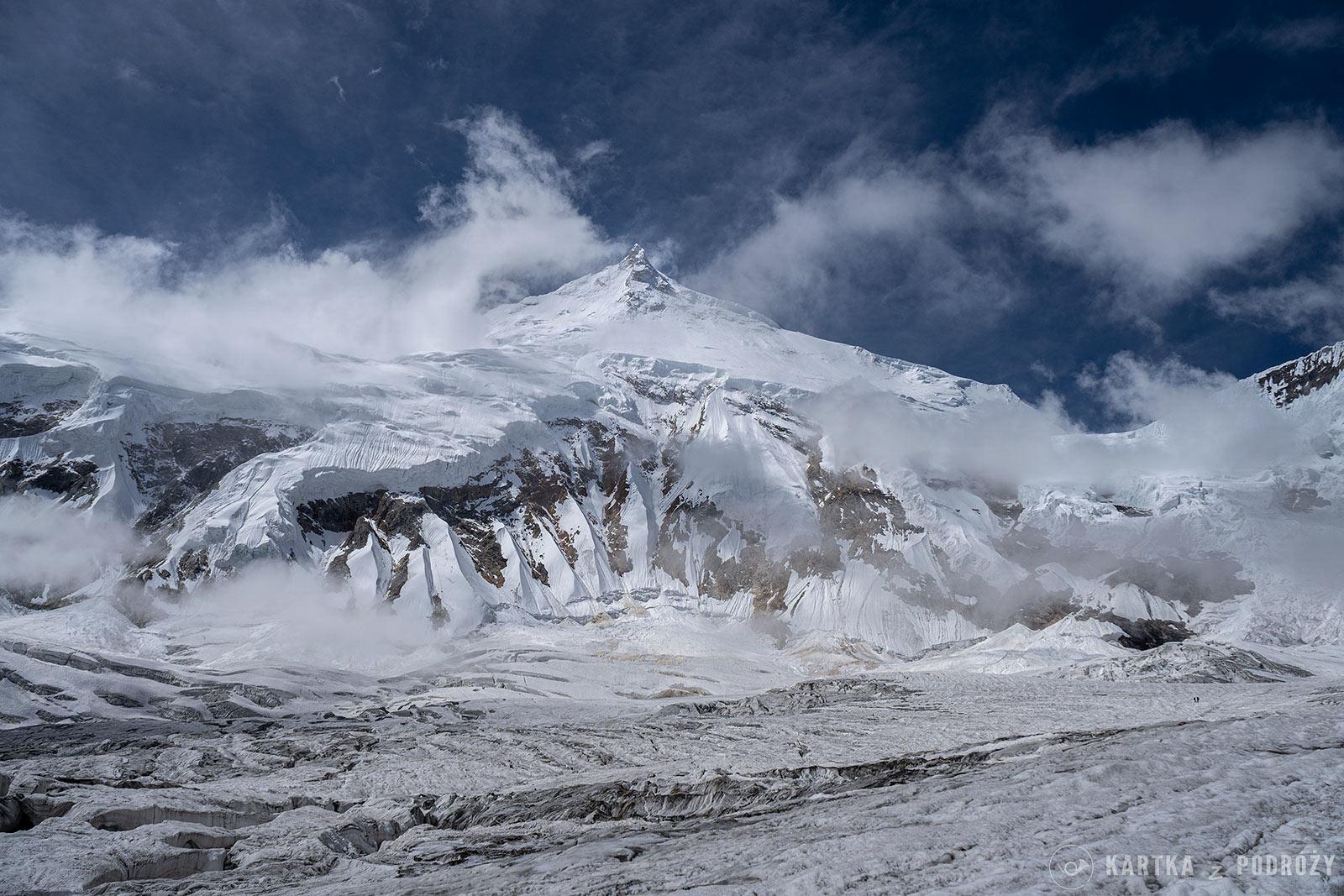Wyprawa na Manaslu: szczyt z bazy.